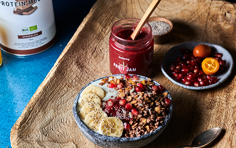 muesli chocolat vegan avec confiture de fruits foodspring