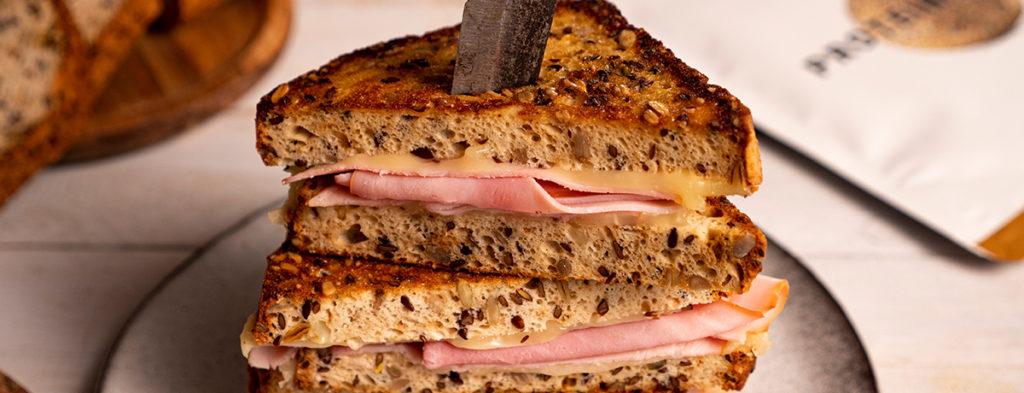 Clásico sándwich mixto con extra de proteínas