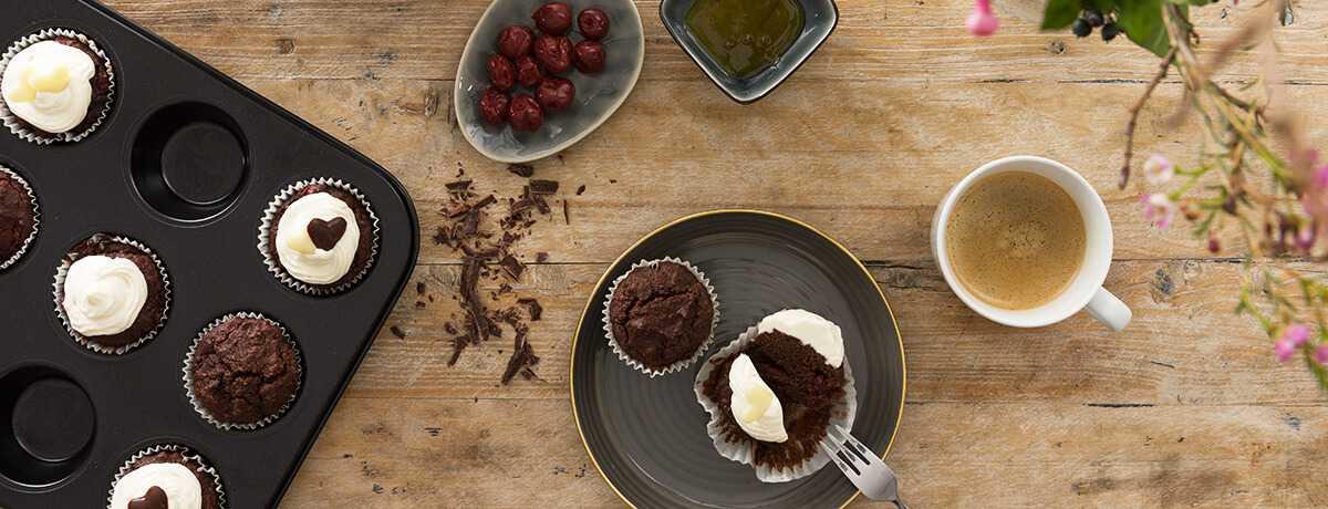 Valentinstag: Low Carb Schoko-Kirsch-Muffins