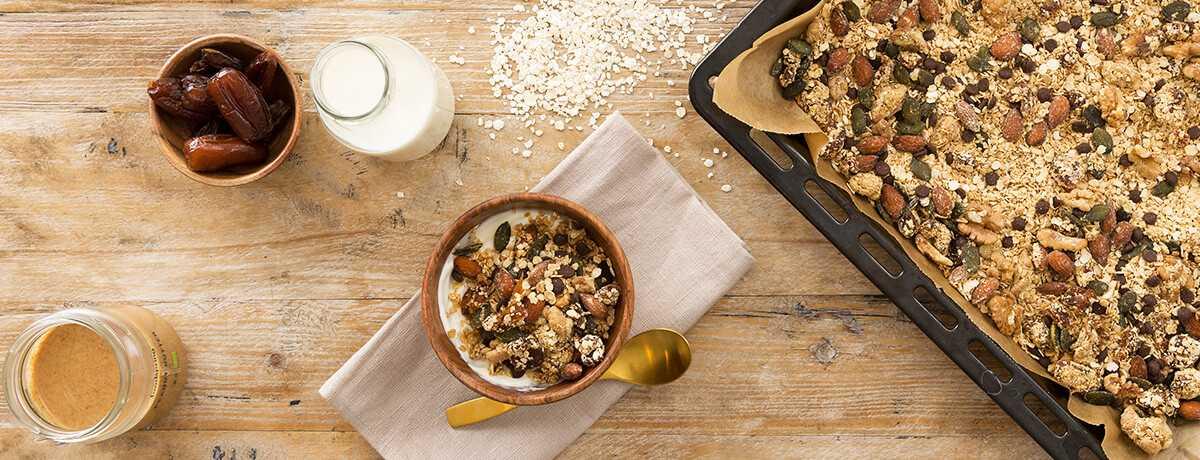 Glutenfreies Protein Müsli Erdnuss