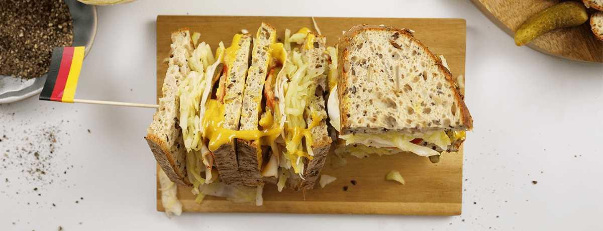 Sandwich protéiné à la salade de chou