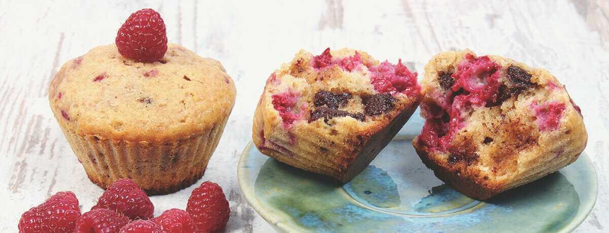 Banana raspberry protein muffins
