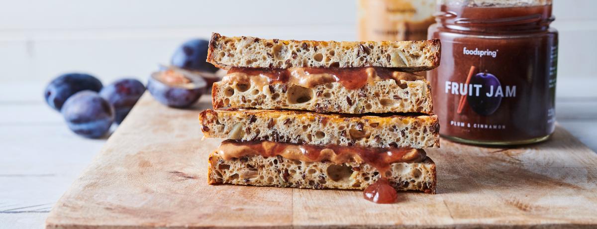 Sandwich beurre de cacahuète et confiture