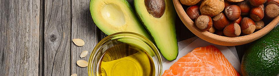 Alimentos de origen animal sobre la mesa