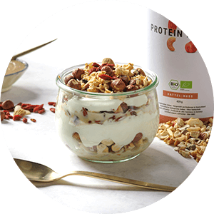 Protein Muesli with yoghurt or cream quark